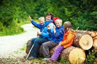 Wandern, Gottesdienst feiern und Picknick